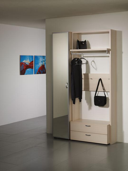 Garderobe window moebelhuus zetzwil for Suche garderobe